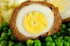Нужна универсальная закуска? Готовим яйца по-шотландски!
