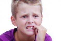 Как отучить ребёнка грызть ногти? Гуманные методики