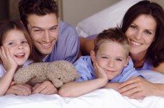 Как родителям правильно построить отношения со своими детьми?