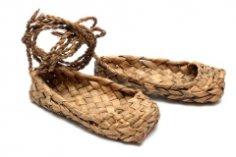 Лапти да сапоги. Что может быть важнее обуви?