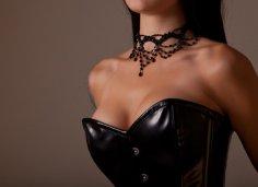 Женщины получают больше удовольствия от секса после увеличения груди