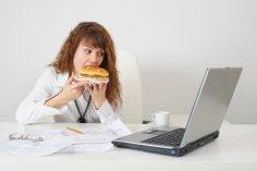 3 профессии повышают риск ожирения