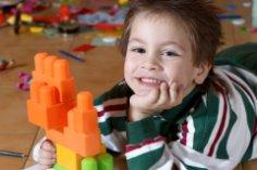 В какие игры можно поиграть дома с ребёнком двух-трёх лет?