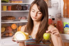 Большинство 10-летних британок сидят на диете