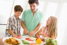 Учиться готовить нужно с детства