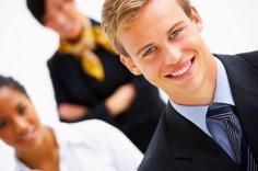 Мужчины стали одеваться аккуратнее из-за конкуренции за рабочие места
