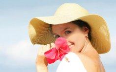 Как ухаживать за сухой кожей лица летом