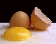 Употребление в пищу яичных желтков приравняли к курению