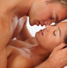 Секрет семейного счастья — частый секс и терпимость к изменам