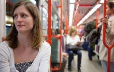 Трудно быть человеком, или Почему в метро зевать нельзя?