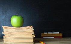 Как оригинально поздравить учительницу?