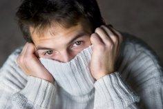 Почему некоторые мужчины застенчивы или смущаются?