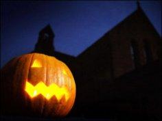 Как весело провести загадочный праздник Хэллоуин?