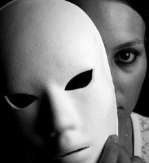 Почему в семье возникает обман?