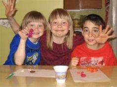Как развивать творческие способности детей? Играя с ними!