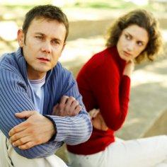 Как общество относится к тем, кто не выходит замуж «вовремя»
