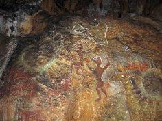 Пришельцы на Чатыр-даге, яйца динозавров и пещеры, набитые скелетами людей: курьезы и фальшивки крымской истории