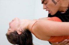 Что такое хастл и как его танцуют?