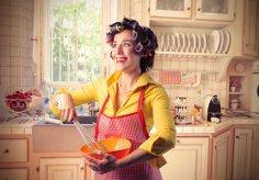 Кому и зачем надо загонять женщин в кухонное стойло?