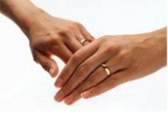 Что нужно для свадьбы? Обручальное кольцо.