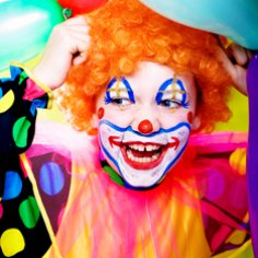 Научиться верить клоунам