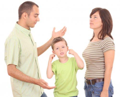 Что делать, если родители ссорятся из-за воспитания детей?