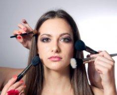 О чем расскажет ваш ежедневный макияж?