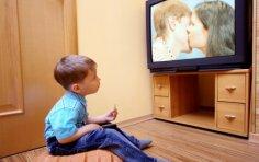 Ребёнок у телевизора - хорошо или плохо?