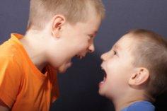Что делать, если ребенок бранится?