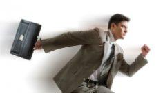 Прийти на работу вовремя, но еще пьяным, или проспать, но успеть протрезветь?