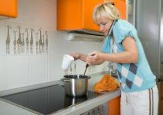 Сколько стоит труд домохозяйки? 250 тысяч в месяц!