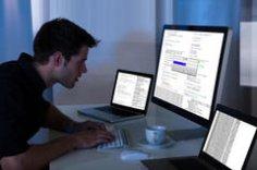В программисты я б пошел, пусть меня научат. Как живется работникам «компа и клавы»?
