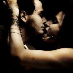 Сексуальное здоровье зависит от поцелуев