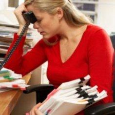Депрессия появляется из-за начальника, а не большого объема работы