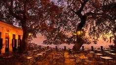 Почему туристы осенью предпочитают отдыхать в Греции?