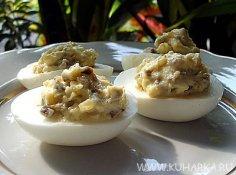 Закуски из вареных яиц. Как приготовить праздничное блюдо?
