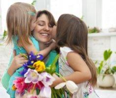 День матери — праздник вечности и красоты