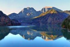 «Живая вода» озера Рица