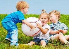 Как отучить ребёнка обижать сверстников