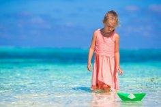 Дитя на каникулах, или Почему бумажный кораблик приплывёт к пятёркам?