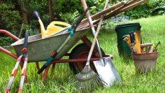 Дачные инструменты. Как использовать чудо-вилы «Торнадо»?