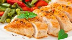 Как приготовить сочную куриную грудку?