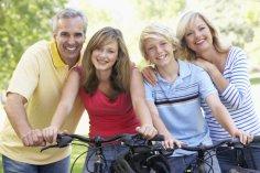 Чем опасна для взрослых детей жизнь с родителями?
