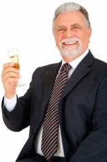 Вино увеличивает продолжительность жизни мужчин
