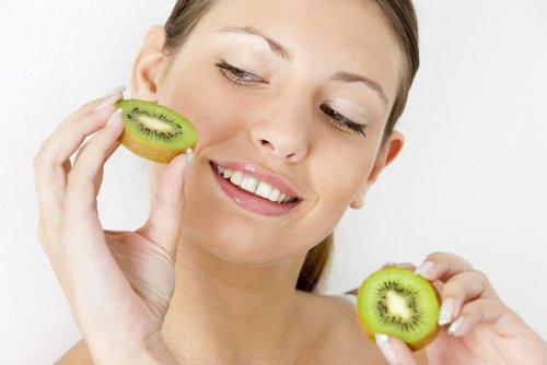Чем полезен киви? Мохнатый плод на страже здоровья и красоты