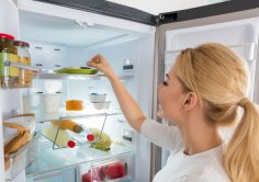 Какие продукты не стоит хранить в холодильнике?