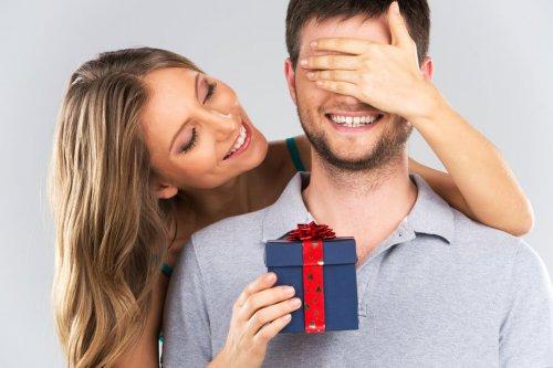 Что подарить на День святого Валентина разным знакам Зодиака?