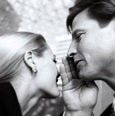 Женщины ищут подтверждение любви в словах