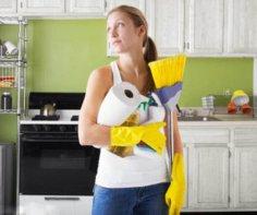 Уборка дома располагает женщин к любовным утехам