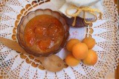 Кому абрикосов на сладкое?